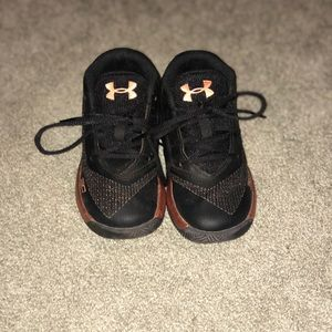 Toddler boys Stephen Curry Under armour shoes